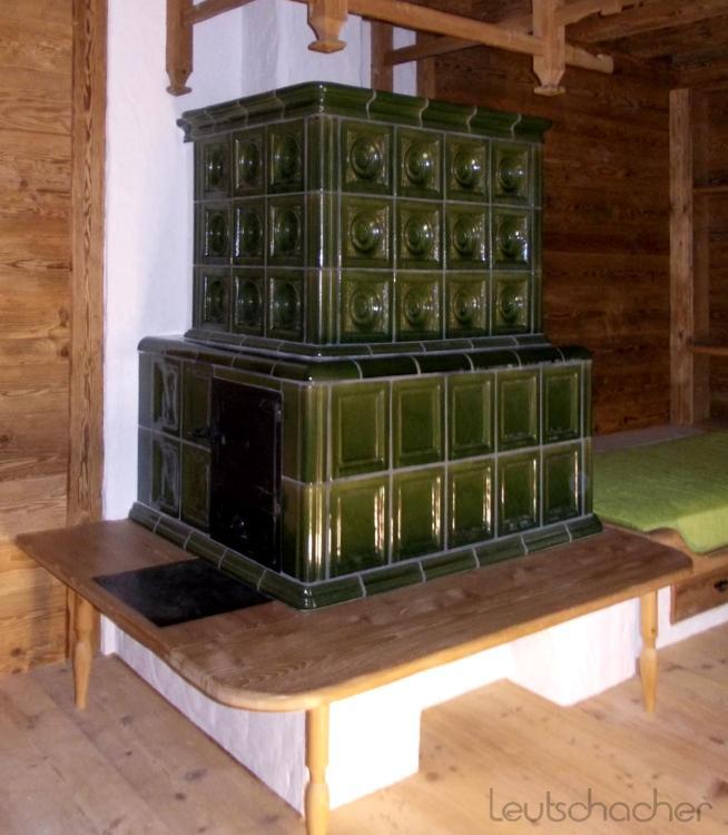 individueller kachelofen traditioneller kachelofen. Black Bedroom Furniture Sets. Home Design Ideas