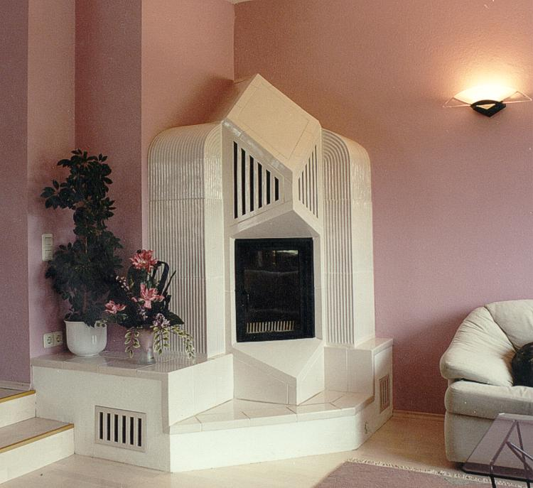 kachelofen modern individuell geplanter holzofen oder kaminofen. Black Bedroom Furniture Sets. Home Design Ideas